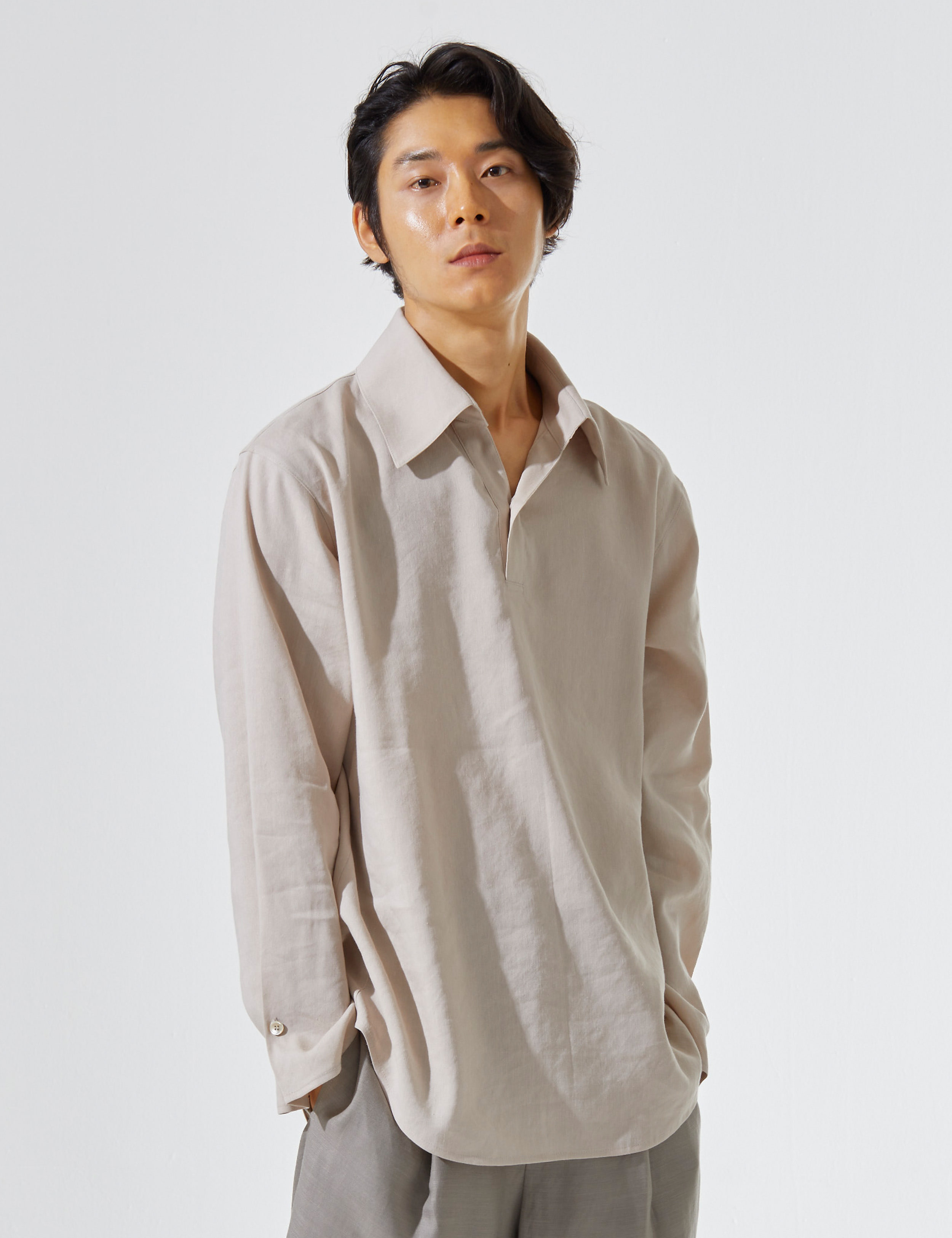 N.7 Wide lapel shirt Beige
