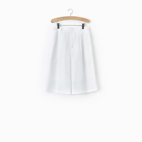 N.5 CREASE SHORT PANTS White