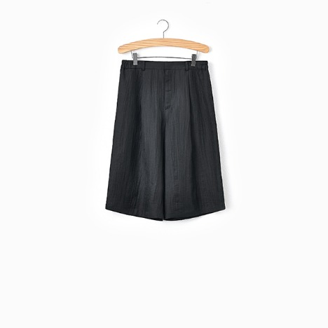 N.5 CREASE SHORT PANTS Black