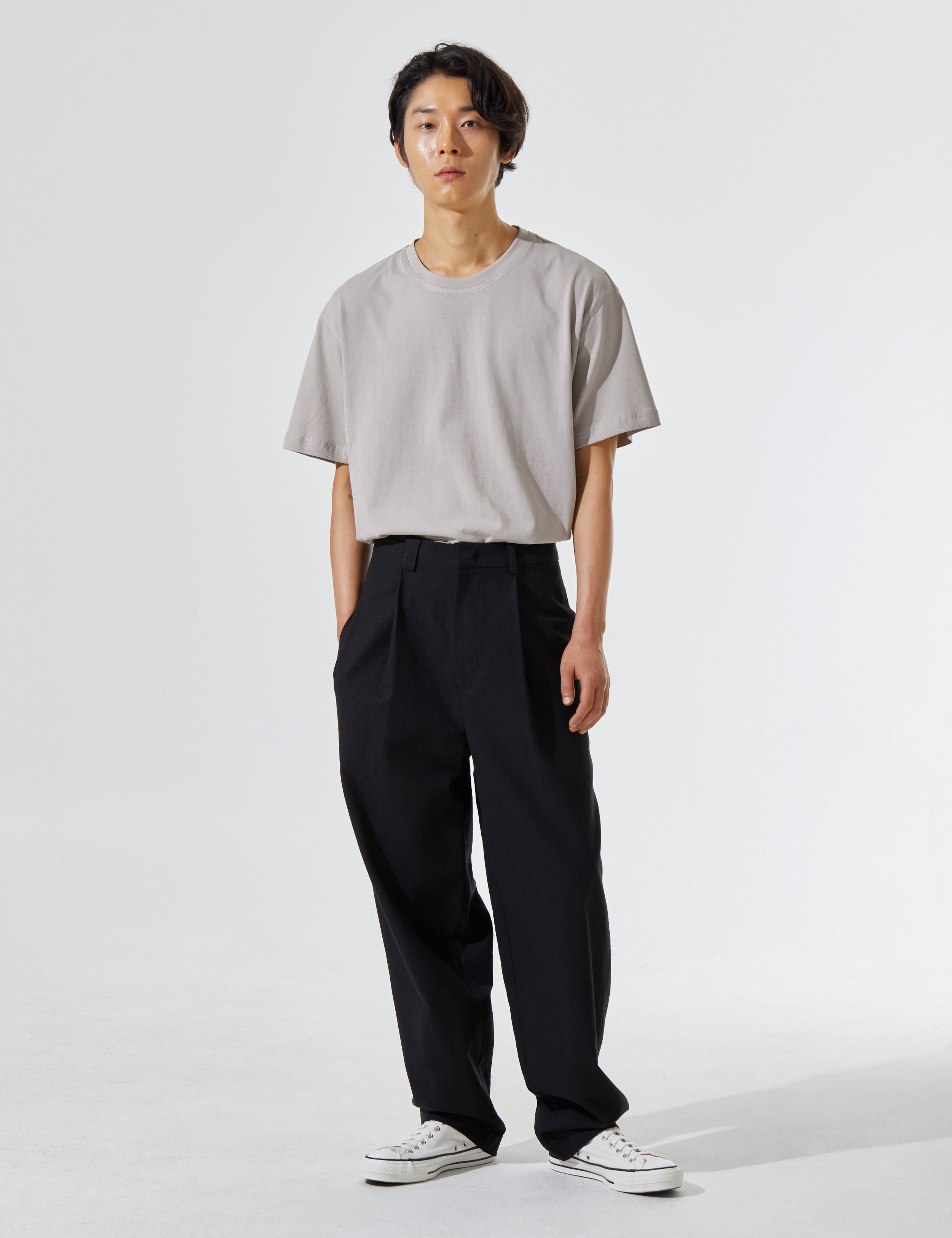 N.7 Undetailed pants Black